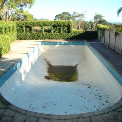Split Concrete Pool